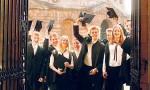 每年花3000万买酒训练学霸的品味,恐怕只有牛津剑桥做得出来