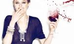 喝完红酒后牙齿为什么会变黑?记得千万不要马上刷牙